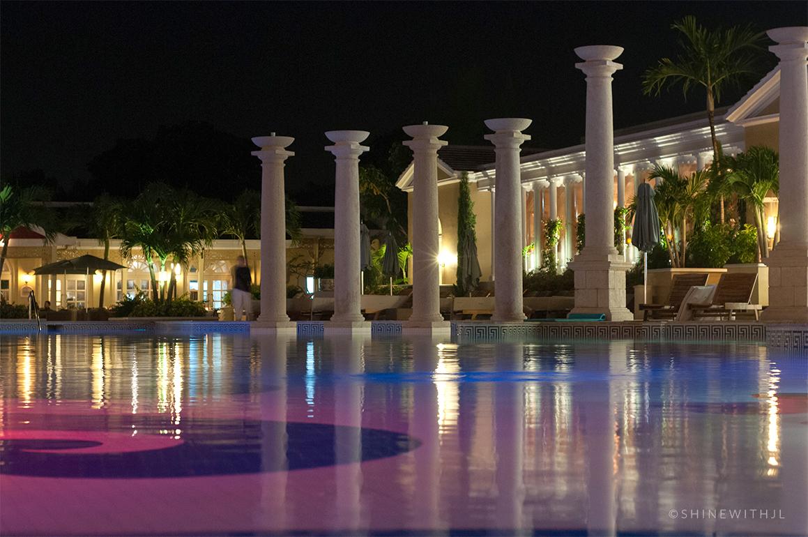 sandals-royal-bahamian-large-pool-at-night-shinewithjl