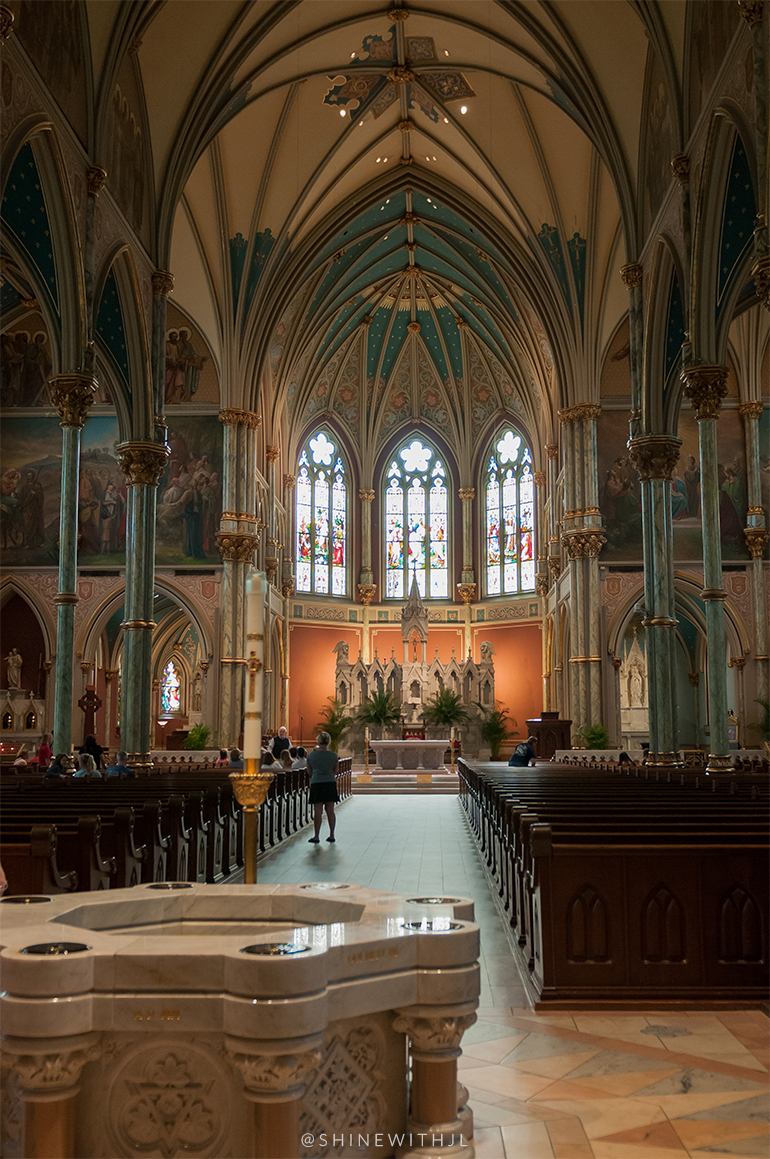 inside the cathedral of st john the baptist savannah