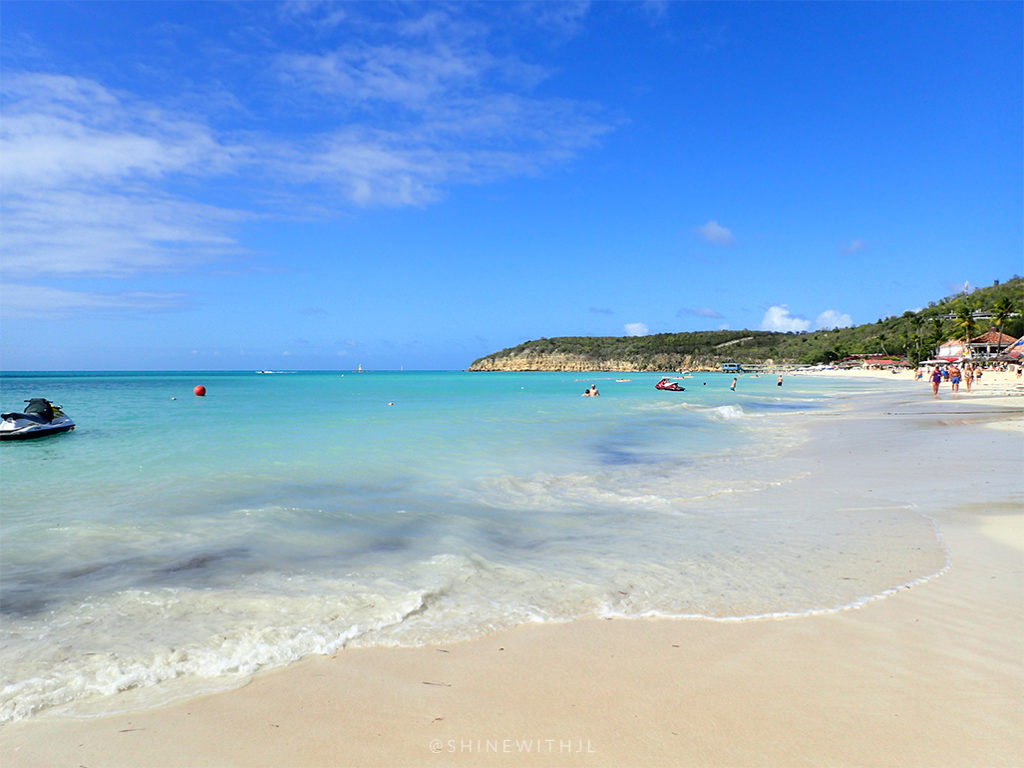 dickenson bay beach antigua