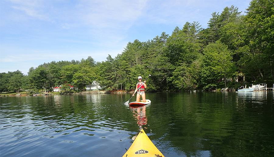 inflatable-standup-paddle-board-vs-plastic-standup-paddle-board